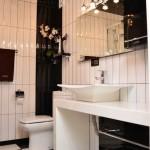ванная комната в номере-апартаментах гостиницы